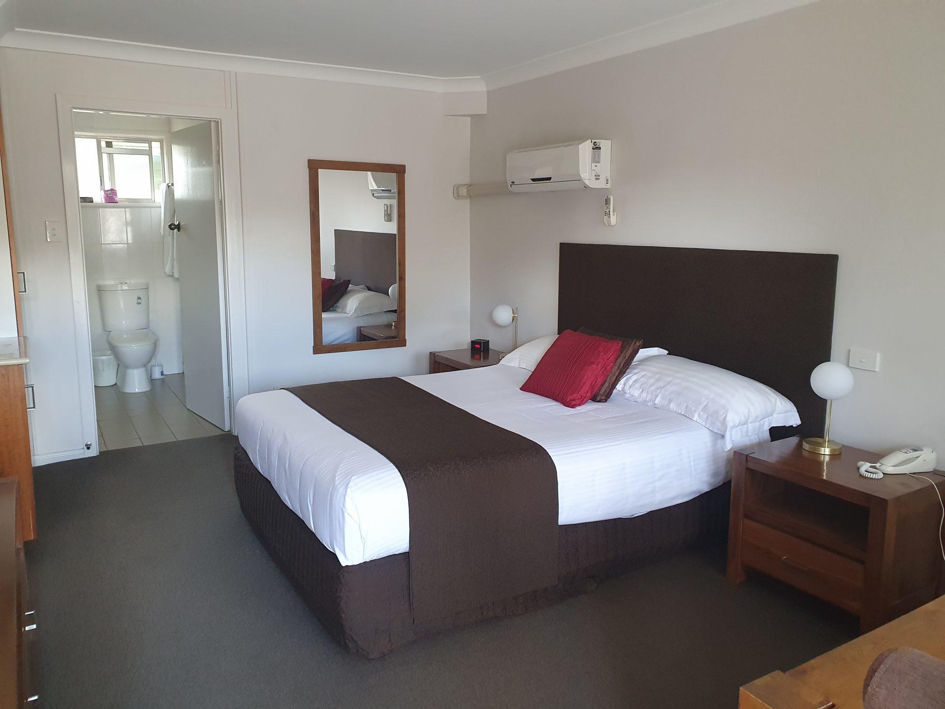Tamworth Motels Executive Queen Room