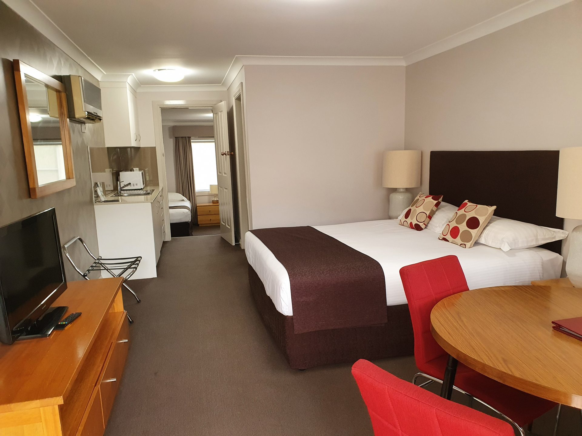 Family accommodation Tamworth Family Suites